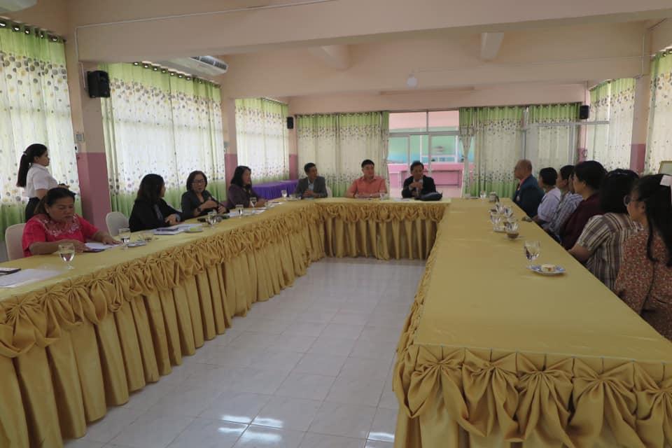 """สำนักงานศึกษาธิการจังหวัดกาญจนบุรี ลงพื้นที่ตรวจสอบข้อมูลเชิงประจักษ์ของนักเรียนโรงเรียนหนองรีประชานิมิต ผู้รับทุนพระราชทานฯ โครงการทุนการศึกษาพระราชทานฯ ปี 2563 ภายใต้ """"มูลนิธิทุนการศึกษาพระราชทาน สมเด็จพระบรมโอรสาธิราชฯ สยามมกุฎราชกุมาร (ม.ท.ศ.)"""" จังหวัดกาญจนบุรี"""