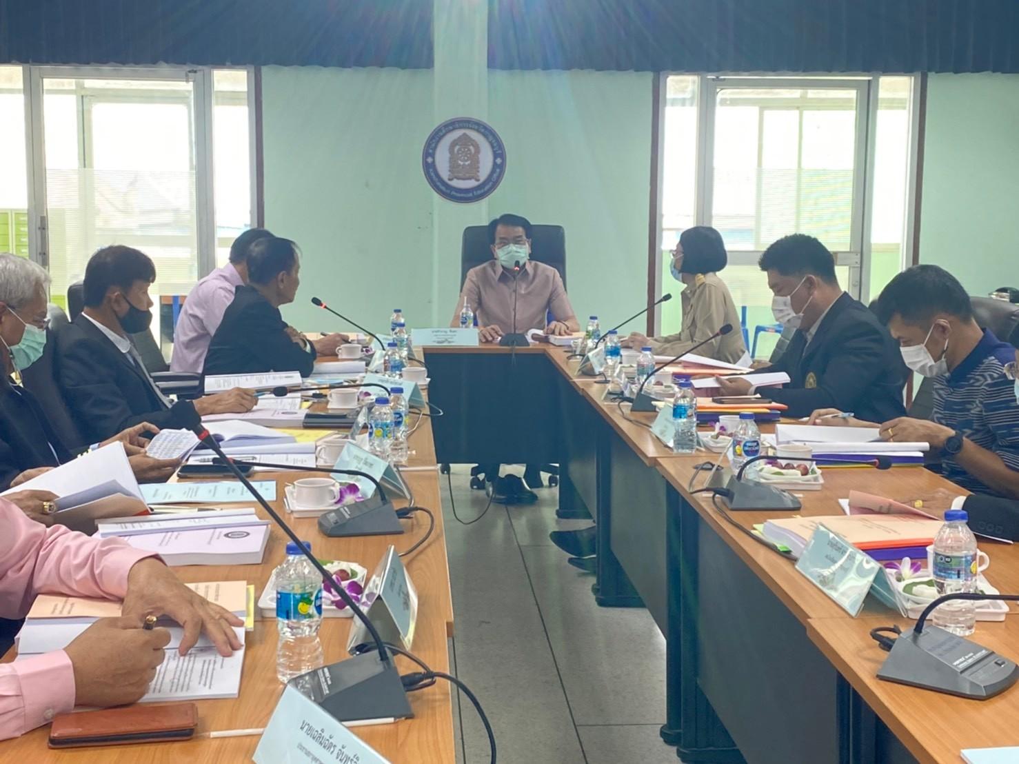 นายชำนาญ ชื่นตา รองผู้ว่าราชการจังหวัดกาญจนบุรี เป็นประธานในการประชุมคณะกรรมการศึกษาธิการจังหวัดกาญจนบุรี ครั้งที่ 4/2564