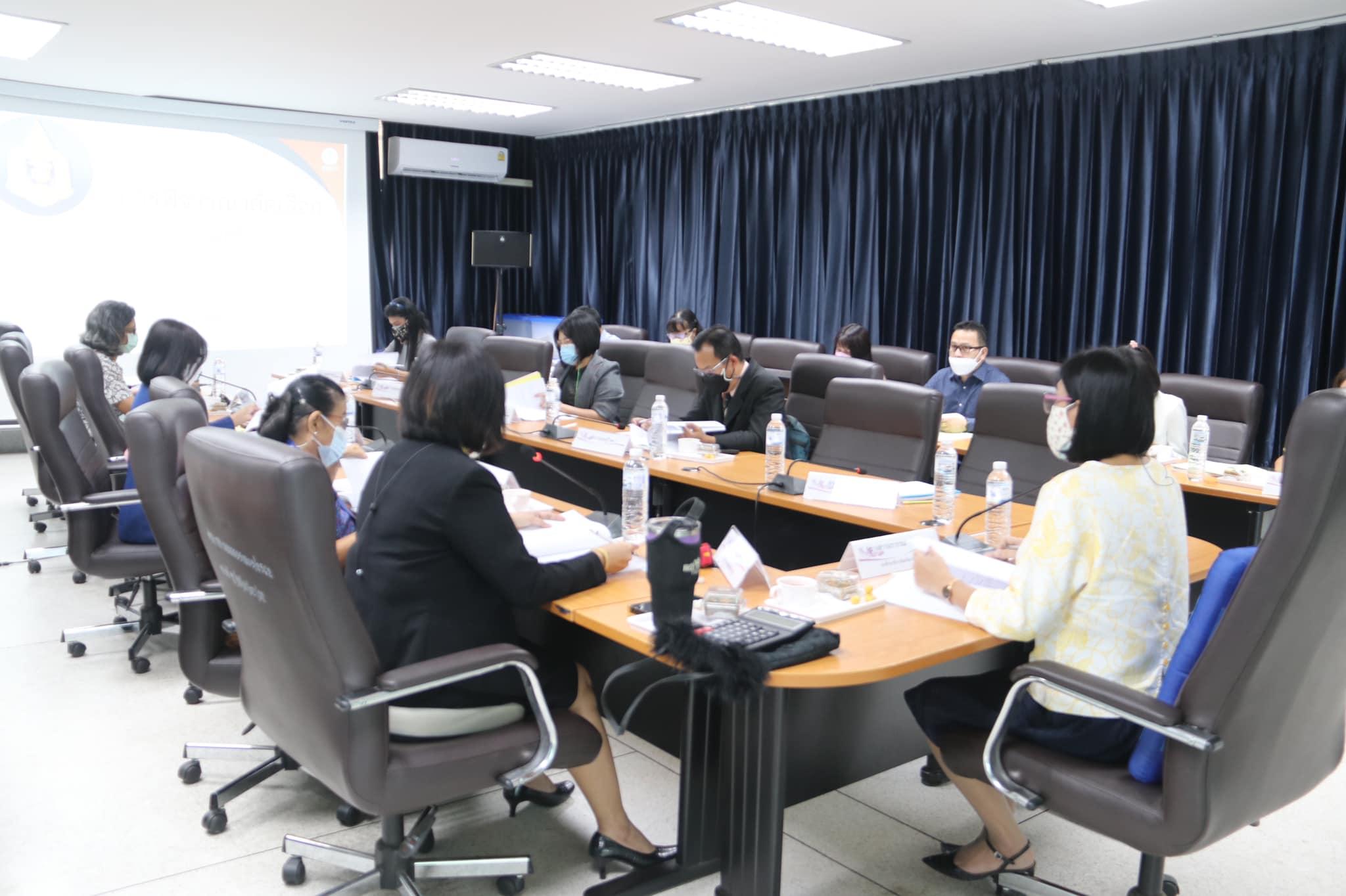 เมื่อวันที่ 15 กรกฎาคม 2564 นางสาวอรวรรรณ คำมาก รองศึกษาธิการจังหวัดกาญจนบุรี เป็นประธานในการประชุมคณะกรรมการพิจารณาคัดเลือกผู้ประกอบวิชาชีพทางการศึกษา เพื่อรับรางวัลของคุรุสภา ประจำปี 2564